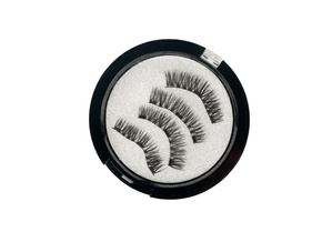 False eyelashes in box