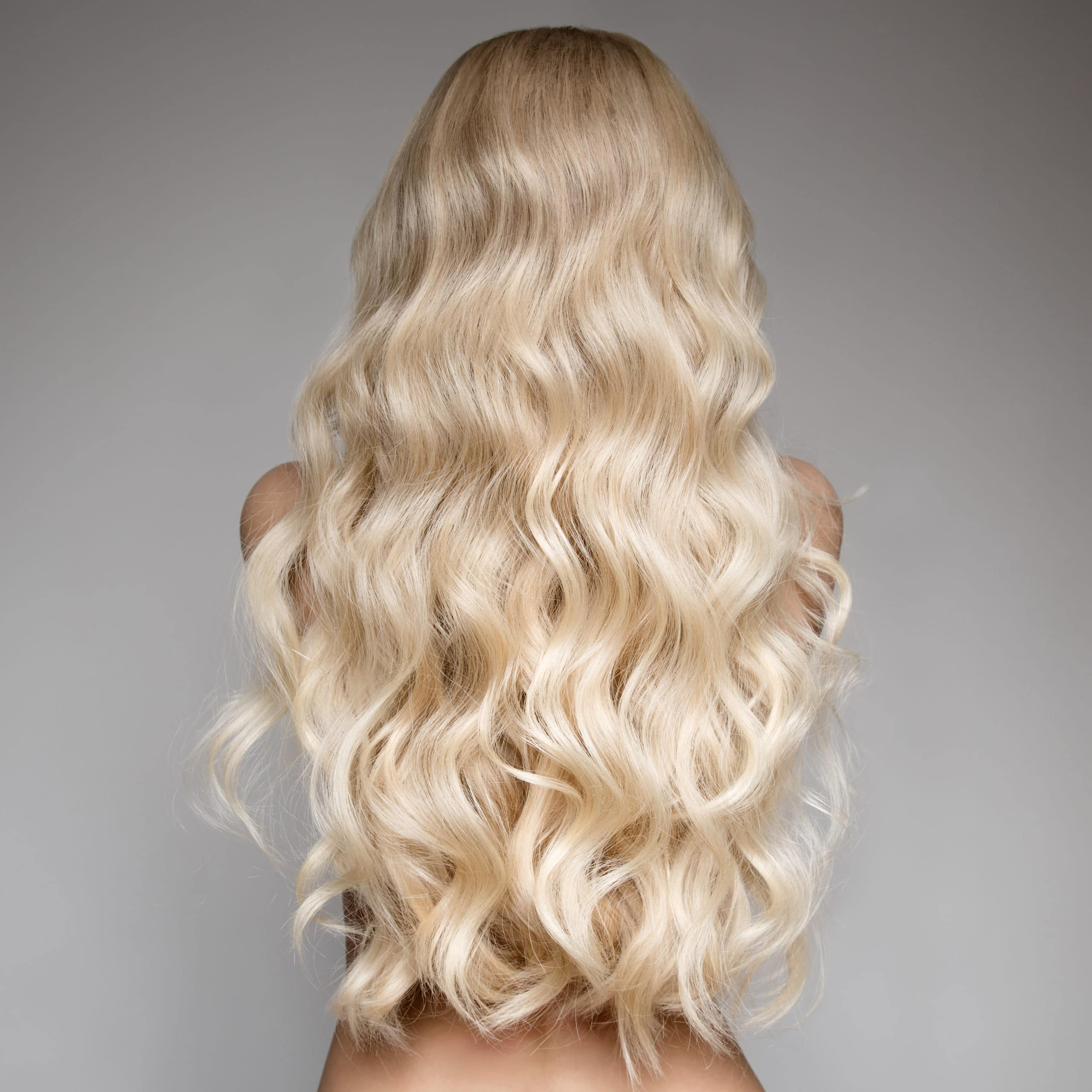 GORGEOUS PLATINUM HAIR THAT IS HEALTHY AND LONG